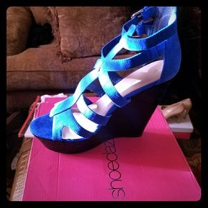 Suede black and blue wedges